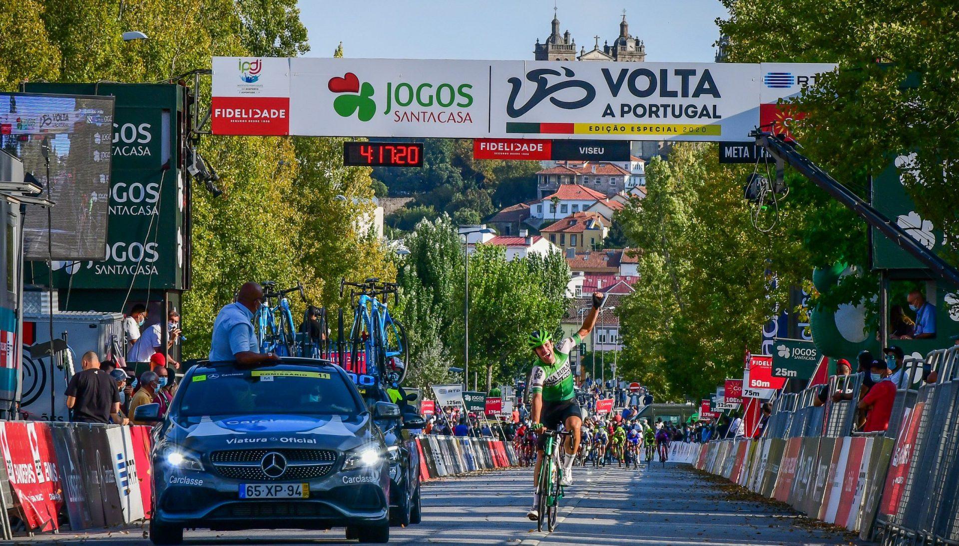 Oier Lazkano troca as voltas aos sprinters e ganha em Viseu